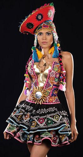 MissPeruUniverse2008_Costume
