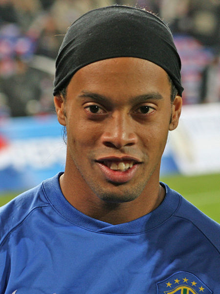 450px-Ronaldinho061115