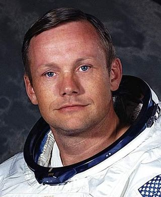 Neil_Armstrong_560574