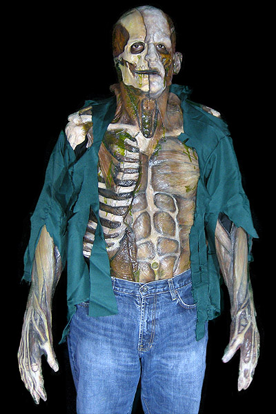 image from thehorrordome.blogspot.com